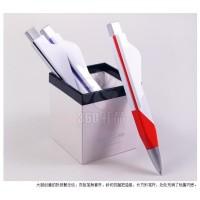 厂家直销公司定制二维码广告笔 按动 10蓝黑塑料圆珠笔 创意