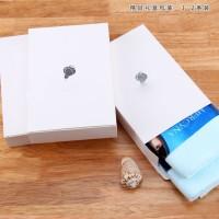 供应 (单条毛巾) 白色烫银LOGO礼盒 长20 宽135 厚4cm